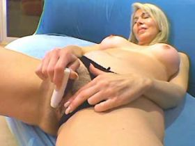 Blonde hungry mature sucks and fucks with blackie