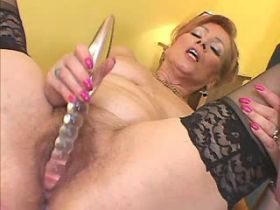 Elder mature sucks big black cock and gets hard fuck